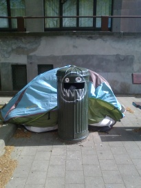 Bin with tent or tent with bin.